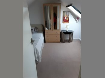 EasyRoommate UK - Lovely spacious cosy double room offered - Harrow, London - £500