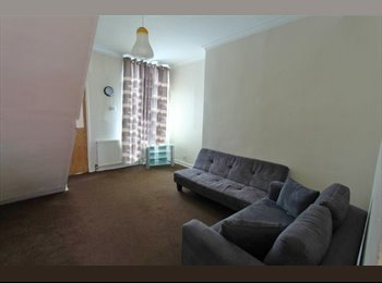 EasyRoommate UK - Very Nice 3 Bedroom House in Rusholme , Arnside St - Rusholme, Manchester - £282