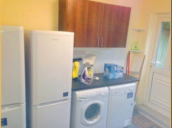 EasyRoommate UK - LE4 Newly decorated -(nr Glenfield Hospital) - Beaumont Leys, Leicester - £325
