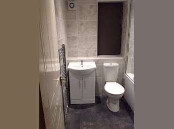 EasyRoommate UK - Couple looking for a lodger - Hartford, Huntingdonshire - £400