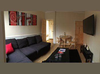 EasyRoommate UK - Sincil Bank - Student House 1 Room Avail Feb 2015 - Lincoln, Lincoln - £338
