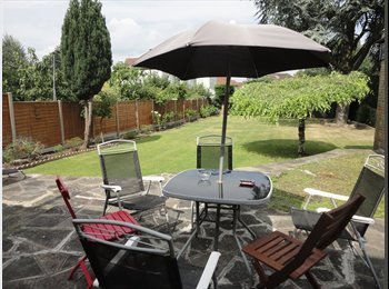 EasyRoommate UK - Double/En suite Bedrooms near High Barnet Station - Barnet, London - £650