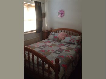 EasyRoommate UK - King Size Room To Rent - Harlow, Harlow - £450