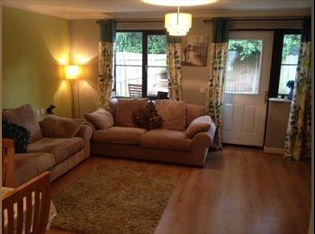 EasyRoommate UK - Large double room in Farnbrough - Farnborough, Hart and Rushmoor - £500
