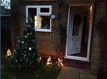 EasyRoommate UK - Room to rent in lovely area. - Middleton Cheney, Banbury - £550