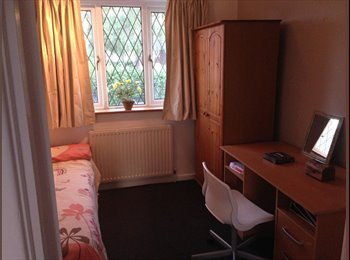 EasyRoommate UK - 2 dble bedrooms in spacious home with 2 bathrooms - Ashby, Scunthorpe - £433