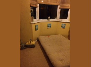 EasyRoommate UK - Part-furnished Double room available - Walderslade, Chatham - £350