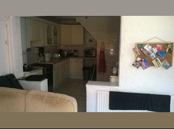 EasyRoommate UK - Double room for rent to a couple - Worcester Park, London - £640