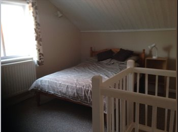 EasyRoommate UK - Large Attic conversion in village for rent.  - Hathern, Loughborough - £360