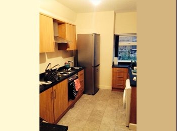 EasyRoommate UK - Ideal for students or young professionals - Weaste, Salford - £320