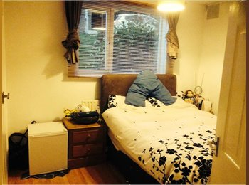 EasyRoommate UK - Double Bedroom To Rent in Flatshare - Bexleyheath - Bexleyheath, London - £500