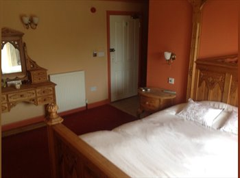 EasyRoommate UK - By the beach Double room on suite - Freshwater, Freshwater - £325