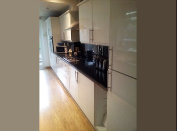 EasyRoommate UK - Palisaded house - Normanton, Derby - £330