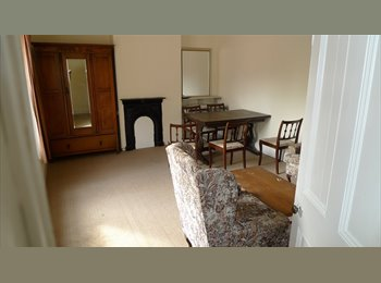 EasyRoommate UK - First  floor 2 bed flat - 5 mins from University - Loughborough, Loughborough - £495
