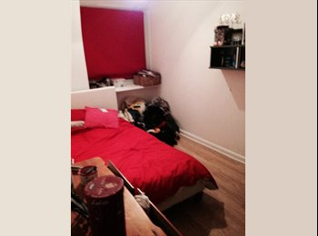 EasyRoommate UK - Double room fully furnished bills included - Morden, London - £600