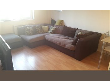 EasyRoommate UK - double room to rent - Fratton, Portsmouth - £350