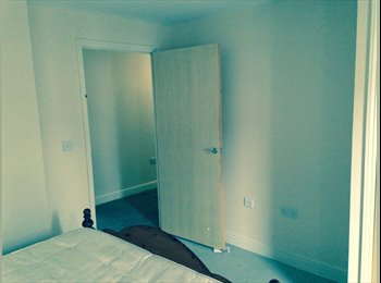 EasyRoommate UK - Double room in a two bedroom flat. - Croydon, London - £450