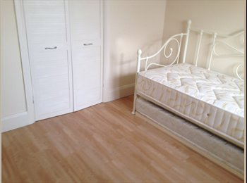 EasyRoommate UK - double room in a friendly household - Hitchin, Hitchin - £450
