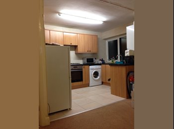 EasyRoommate UK - Near University of Leicester - Knighton, Leicester - £12