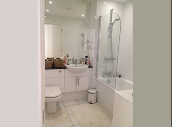 EasyRoommate UK - Female flatmate wanted: double room/own bathroom - Barnet, London - £800
