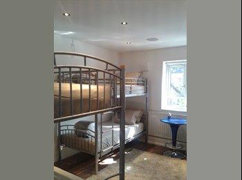 EasyRoommate UK -  FLATSHARE - Peckham, London - £800