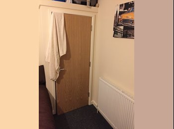 EasyRoommate UK - Room For Rent - 5 Bedroom Student House - Broomhill, Sheffield - £355