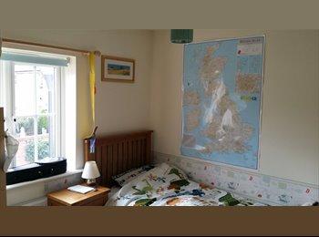 EasyRoommate UK - Female only - double Room in Oxley Park!! - Kingsmead, Milton Keynes - £500