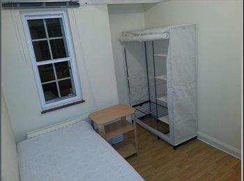 EasyRoommate UK - female room - Marston, Oxford - £480