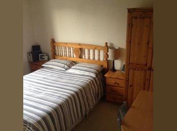 EasyRoommate UK - Dble room, en-suite, quiet location MON-FRI Only - Willen, Milton Keynes - £433