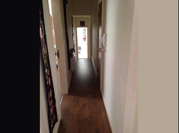 EasyRoommate UK - Room to rent with own bathroom  - Wakefield, Wakefield - £380