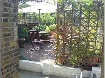 EasyRoommate UK - Friendly, smart, modern double room in houseshare in the medway towns, snodland - Maidstone, Maidstone - £450