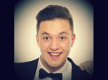 EasyRoommate UK - Dawid - 18 - Sunderland
