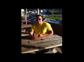 EasyRoommate UK - Luke  - 21 - Stevenage
