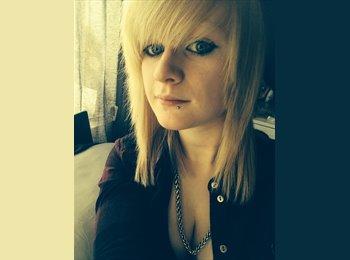 EasyRoommate UK - Amy - 21 - Leeds