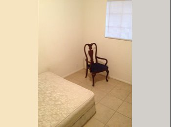 EasyRoommate US - Seeking to find roomates for 2 open roomes. - Central Phoenix, Phoenix - $300