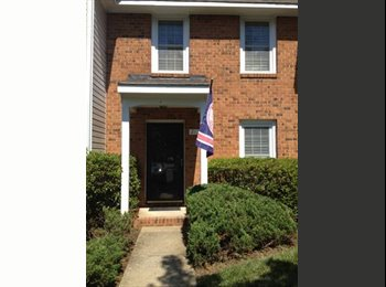 EasyRoommate US - Room Avlbl in a beautiful Townhouse(1st rent free) - Richmond West End, Richmond - $640