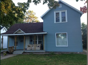 EasyRoommate US - 2 subleasers needed for Spring 2015 semester! - Eau Claire, Eau Claire - $275