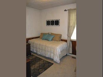 EasyRoommate US - Private Room, WIFI & CABLE, Flat screen TV, CLEAN! - Norfolk, Norfolk - $585