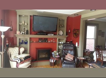 EasyRoommate US - Furnished Room Right Behind Wrigley Field - Lakeview, Chicago - $975