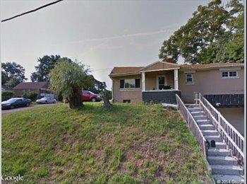 EasyRoommate US - 2 Bedroom 1.5 Bath Ranch w/integral garage - Pittsburgh Eastside, Pittsburgh - $750
