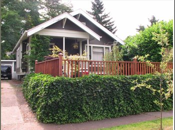 EasyRoommate US - Cute Bungalow in SE Foster area - Multnomah, Portland Area - $700