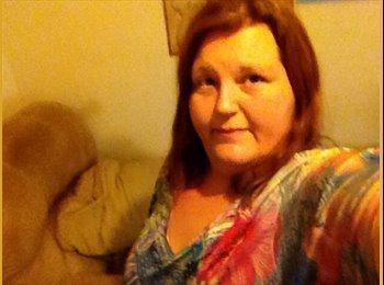EasyRoommate US - Heather - 36 - Northern California