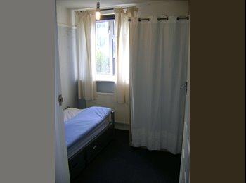 EasyRoommate UK - Single Room To Let in Carshalton £400 pcm - Carshalton, London - £400