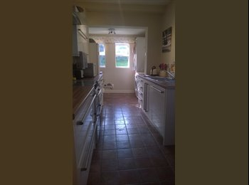 EasyRoommate UK - 2 double rooms to rent - Whittington, Chesterfield - £350