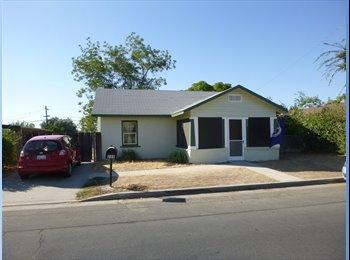 EasyRoommate US - Huge yard, right by riverpark, great neighborhood - Pinedale, Fresno - $600
