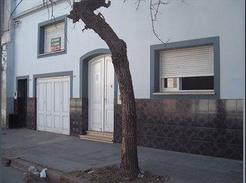 CompartoDepto AR - HABITACIONES P/UNIVERSITARIOS NACIONALES Y EXTRANJEROS -  Santa Fe - Santa Fé, Santa Fé - AR$1200