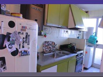 CompartoDepto AR - Depto Luminoso, habitación con Balcon a la calle. - Balvanera, Capital Federal - AR$3200