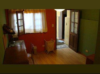 CompartoDepto AR Hermosa y gran habitacion naranja en plaza almagro - Almagro, Capital Federal - AR$2400 por Mes(es) - Foto 1