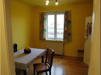 EasyWG AT - Ruhiges, helles WG-Zimmer in 2er WG zu vermieten - Wien 14. Bezirk (Penzing), Wien - €270