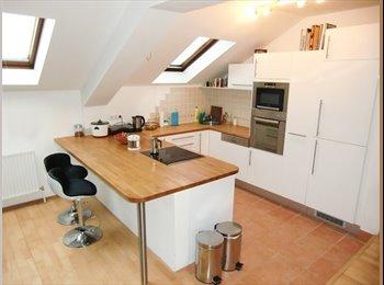 EasyWG AT - Zimmer in 3er WG mit Dachterrasse - Wien 14. Bezirk (Penzing), Wien - €500